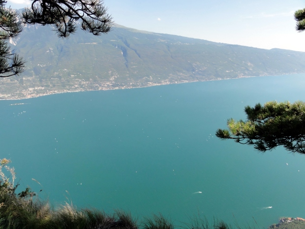 Ausblick auf den Lago di Garda vom Monte Cas